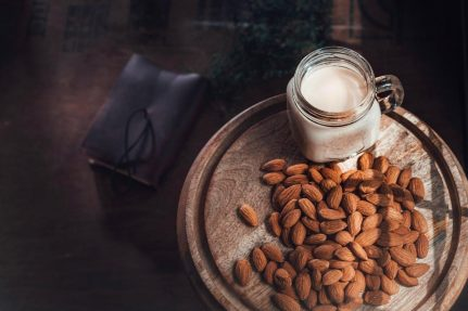 Easy almond milk recipe