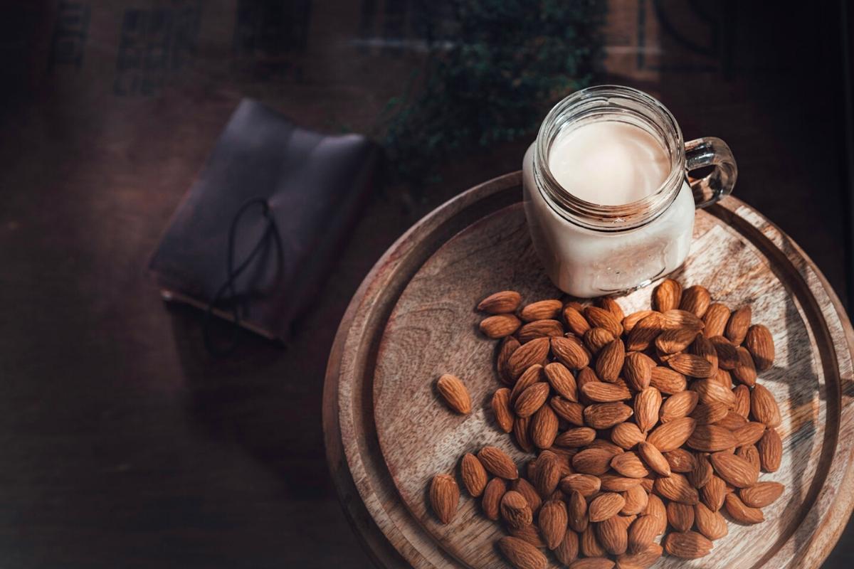 Easy almond milk recipe